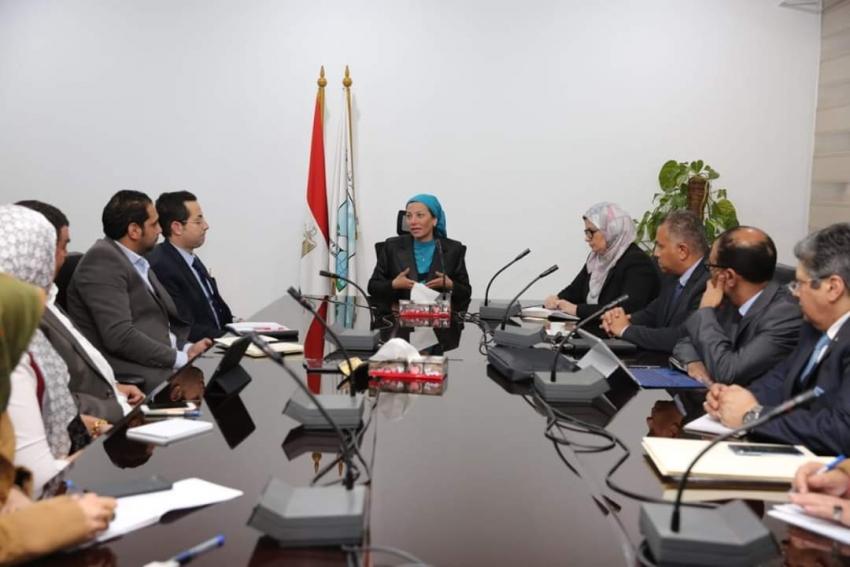 وزيرة البيئة تلتقي عددا من المستثمرين لبحث آليات دمج القطاع الخاص في منظومة النظافة