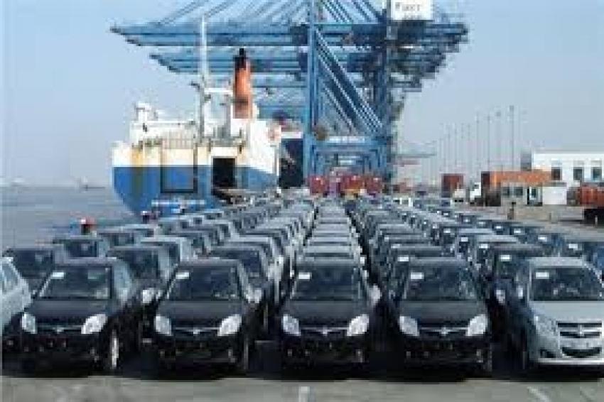 جمارك السيارات بالسويس تفرج عن 1162 سيارة ملاكى ونقل بقيمة 214 مليون و 901 ألف و 902 جنيها خلال يونيو الماضى