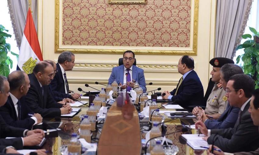 رئيس الوزراء يعقد اجتماعا لمتابعة توافرالسلع بالاسواق واسعارها