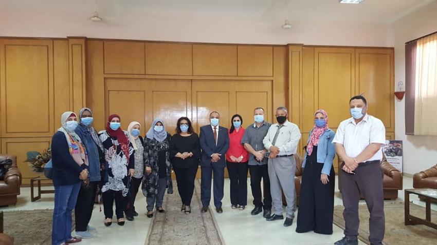 قومي المرأة بالسويس يحث على المشاركة في انتخابات الشيوخ بحملة طرق ابواب والتوعية