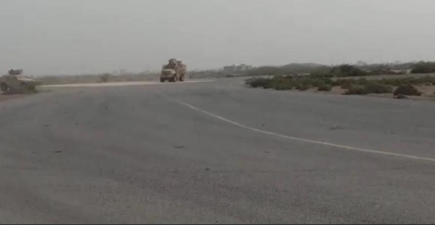 القوات المشتركة تحرر مطار الحديدة كاملا