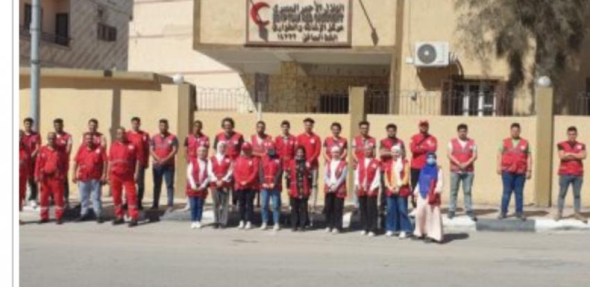 فريق من الهلال الأحمر المصري في معبر رفح لاستقبال المصابين الفلسطينيين