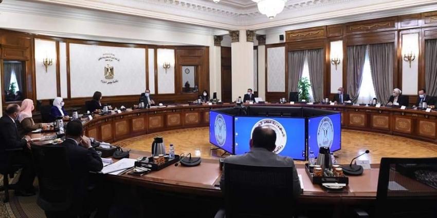 رئيس الوزراء يستكمل مناقشات الاستراتيجية القومية لتنمية الأسرة المصرية