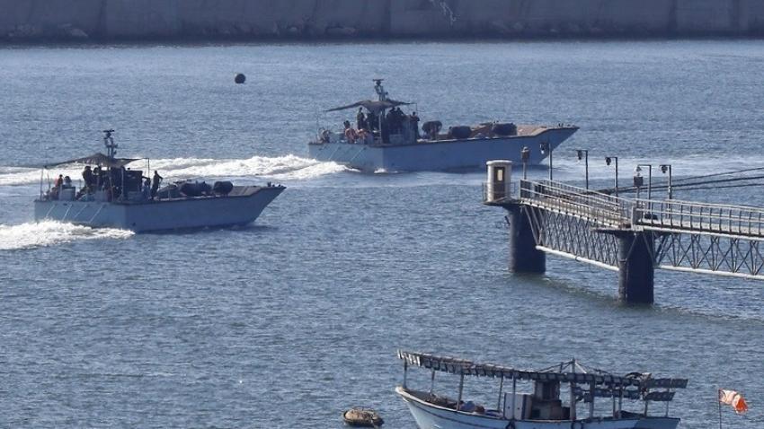 البحرية الإسرائيلية تسيطر على سفينة تركية قبالة حيفا