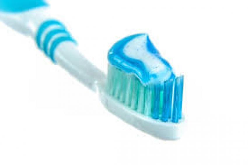 """استخدام """"نسائي"""" لا يخطر على البال لمعجون الأسنان"""