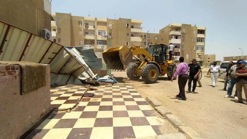 لليوم  الثانى على التوالى   تنقيذ ٧٥ قرارا لازالة للتعديات بمدينة المستقبل بحي فيصل بالسويس