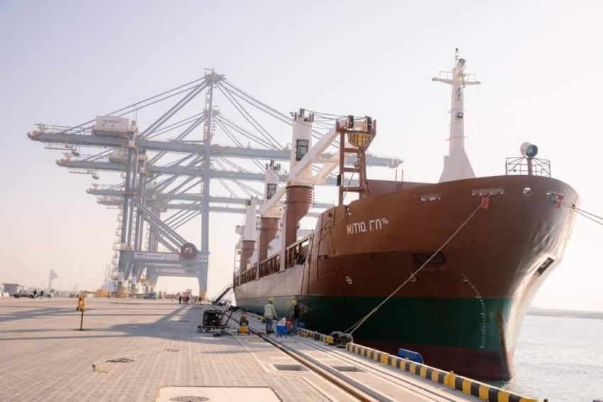 بيان صادر عن المنطقة الاقتصادية لقناة السويس     79 سفينة بالسخنة والأدبية وزيادة ملحوظة في حركة التداول