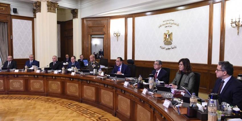 مجلس الوزراء يوافق على استمرار شركتى ترسانة السويس والقناة للحبال فى نشاطهم