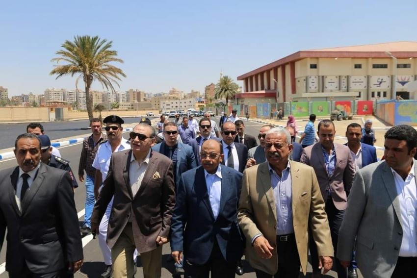 وزير التنمية المحلية ومحافظ السويس يتفقدان استاد السويس الرياضي