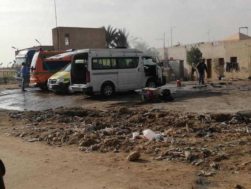 صور .. نقطة اغاثة السلام بالسويس تتحول الى مغسلة سيارات ...اين المسئولين !!!