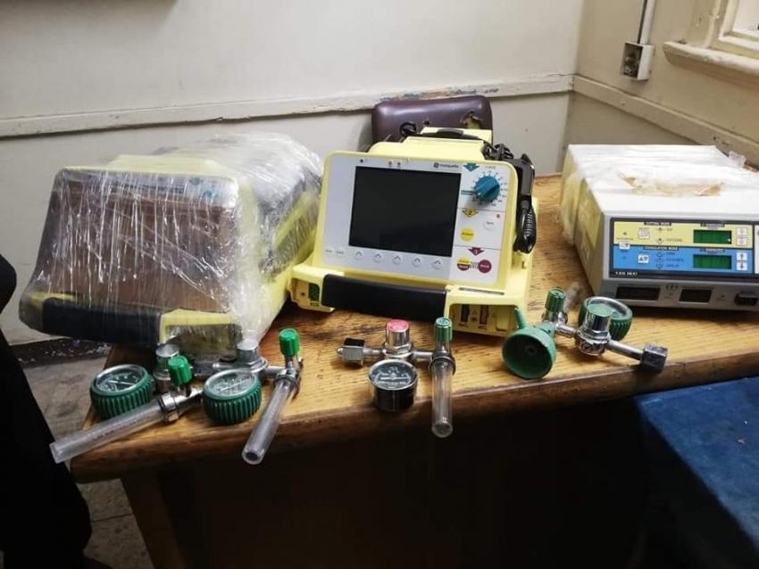 جمارك السويس تحبط محاولة تهريب عدد من الأجهزة والمستلزمات الطبية