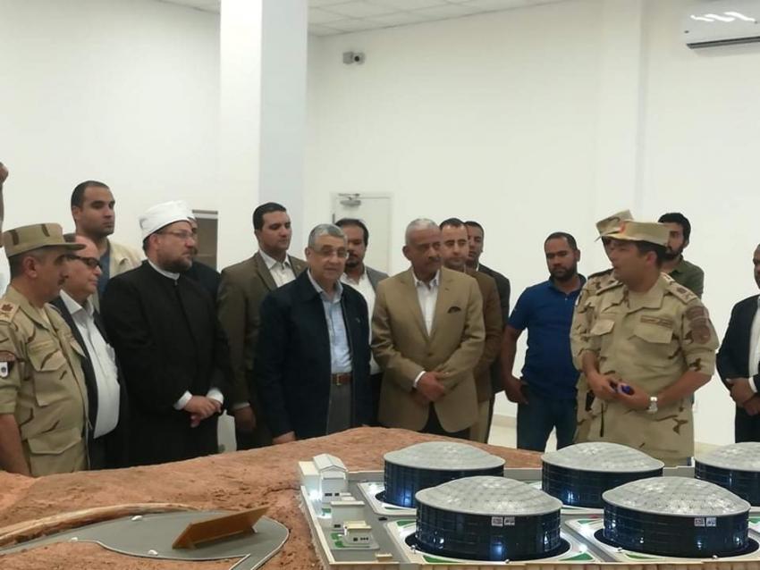 وزيرا الكهرباء والأوقاف ومحافظ السويس يتفقدون عدد من المشروعات بمدينة الجلالة