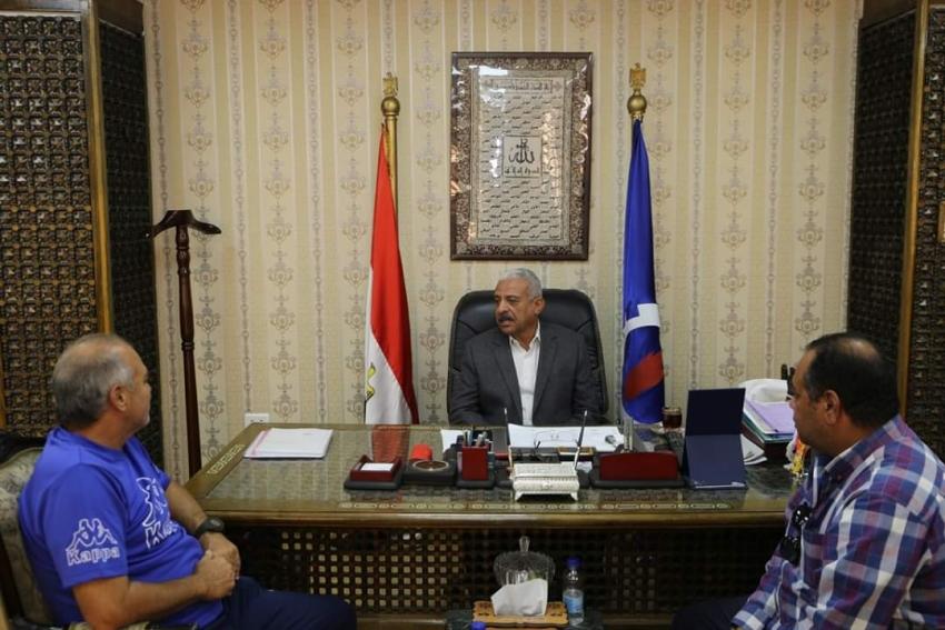 صقر يستقبل محمد صلاح ورئيس نادي منتخب السويس
