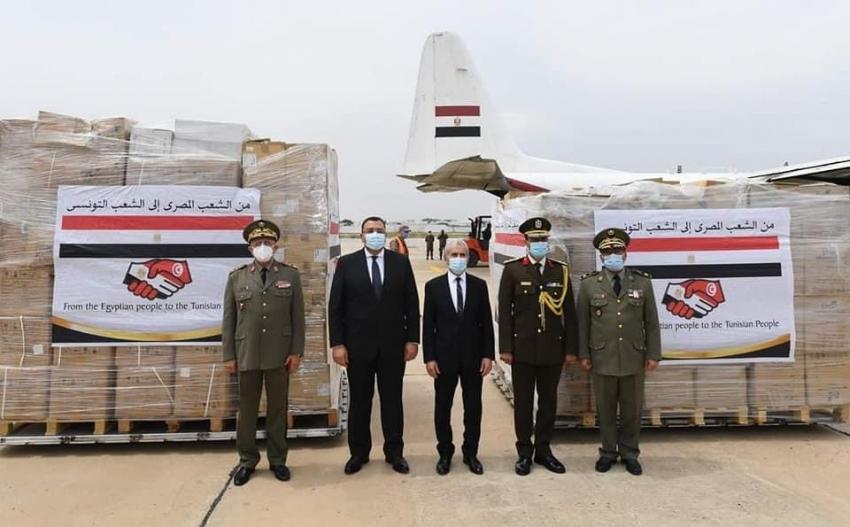 تونس تستقبل طائرة مساعدات طبية من مصر