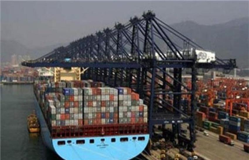 ارتفاع معدل تداول الشاحنات والمبردات المحملة بالبضائع والحاصلات الزراعية للاسواق السعودية والخليحية بموانى البحر الاحمر