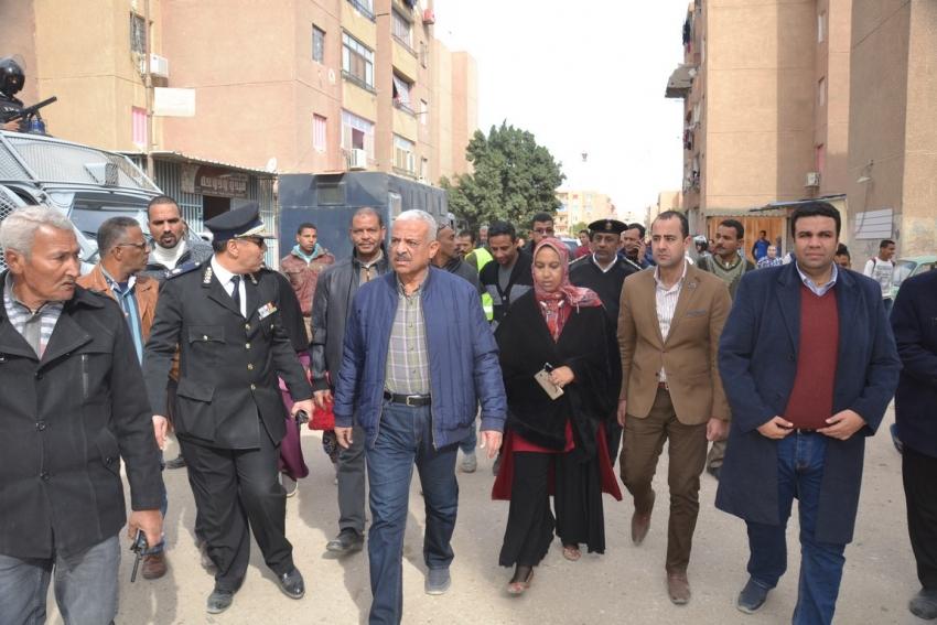استمرار أعمال إزالة الاشغالات والتعديات العشوائية من تعاونيات القاهرة بمحافظة السويس