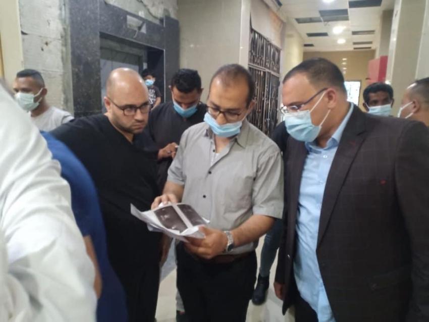 وكيل وزارة الصحة يتفقد طوارئ الجراحة بالمستشفى العام ويشيد بإلتزام الفريق الطبي .