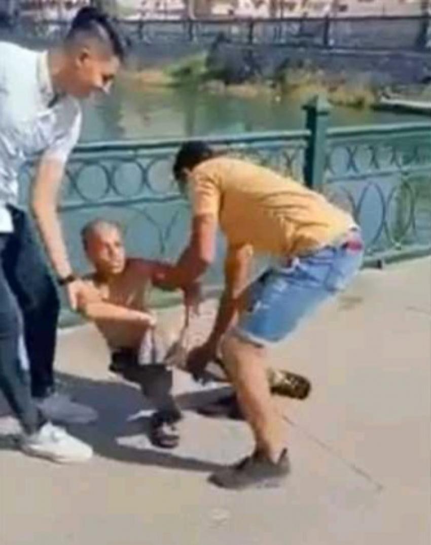 شابان يلقيان طفلا بترعه المحموديه في البحيره