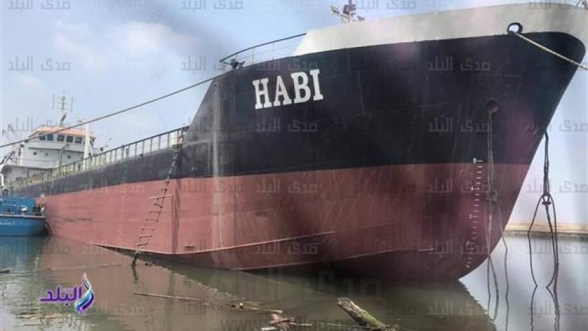 مصر تصنع ناقلة بترول عملاقة في بورسعيد